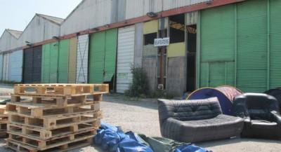 Calais_rue_de_Mouron_squat_Beer_House