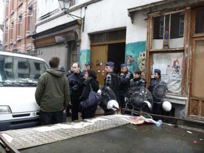 2013_12_01_Expulsion_de_l'Armada_Chaussée_de_Forest_193_195_Saint_Gilles_Bruxelles