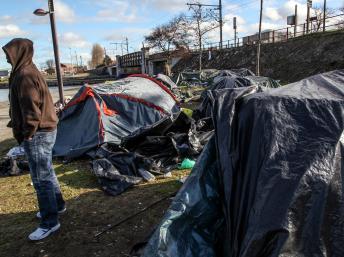 2014_Calais_campement_bassin_Batellerie_