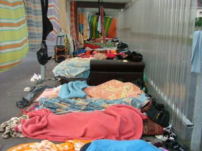 201406_Calais_migrants_occupation_du_lieu_de_distribution_des_repas