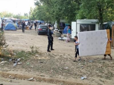20140808_Expulsion_camp_de_Roms_Bron_69